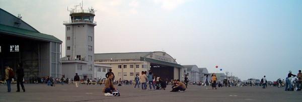Hangar_iruma_airbase_20068