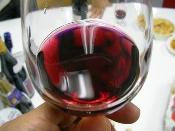 Beaujolais_nouveau_winethumbnail2_2