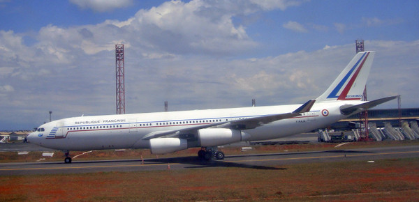 French_president_airbus_a340_at_bsb